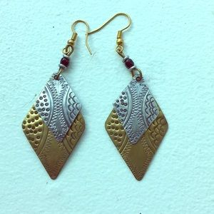 NEVER WORN Silver / gold earring